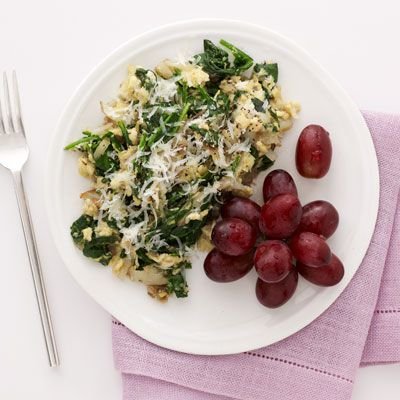 Spinach-Potato Scramble with Parmesan - 5 Weeks to Your Best Body Ever: What to Eat - Health Mobile+