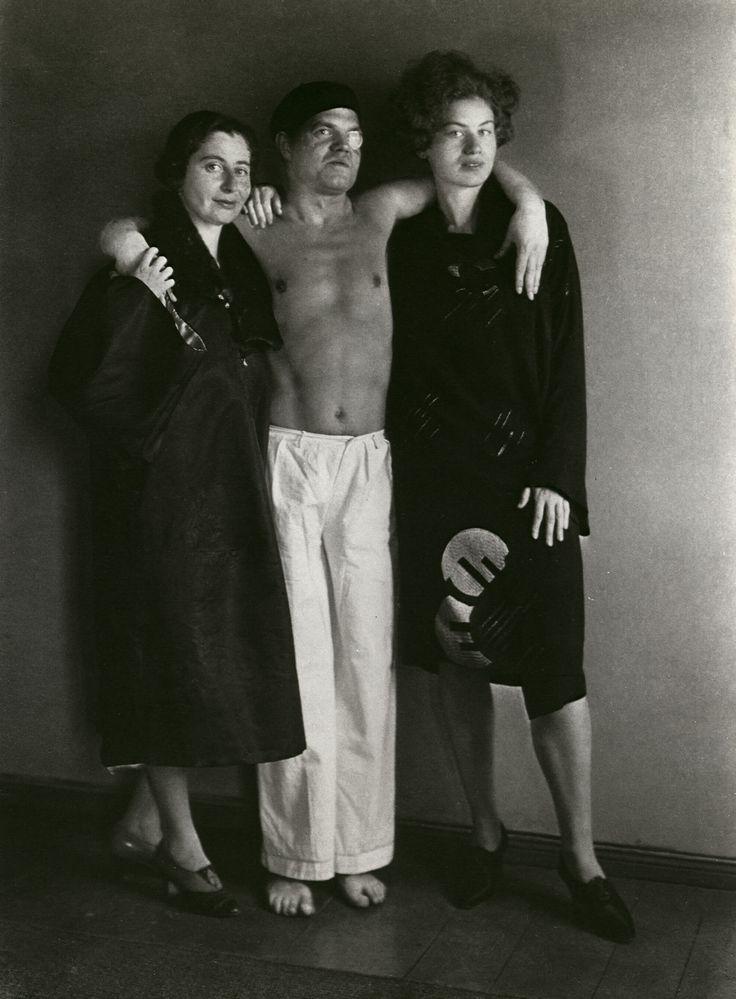 August Sander, The Dadaist Raoul Hausmann [with Hedwig Mankiewitz and Vera Broido], 1929