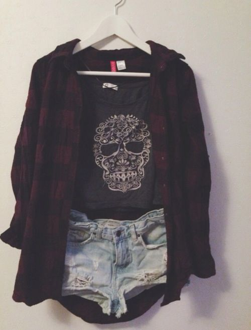 Cute outfit! Teen fashion☮ with the shorts a little bit longer because of my thighs