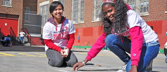 Fulfill high school community service requirements or meet other engaged teens through our summer volunteer programs on our service projects for students.