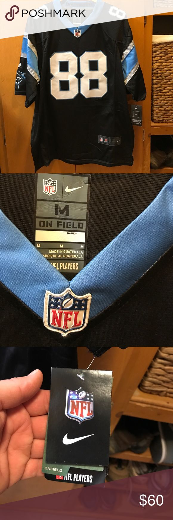 Men's Carolina Panthers Olsen NFL Onfield Jersey Men's Size M Carolina Panthers Greg Olsen NFL Players Onfield Jersey. NWT!  Brand New! 😁 Nike NFL Players Other