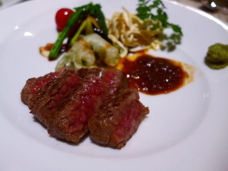 一頭買いの高級神戸牛がお手軽にいただけます! 神戸元町 「KOBE BEEF RED ONE」   Mのランチ