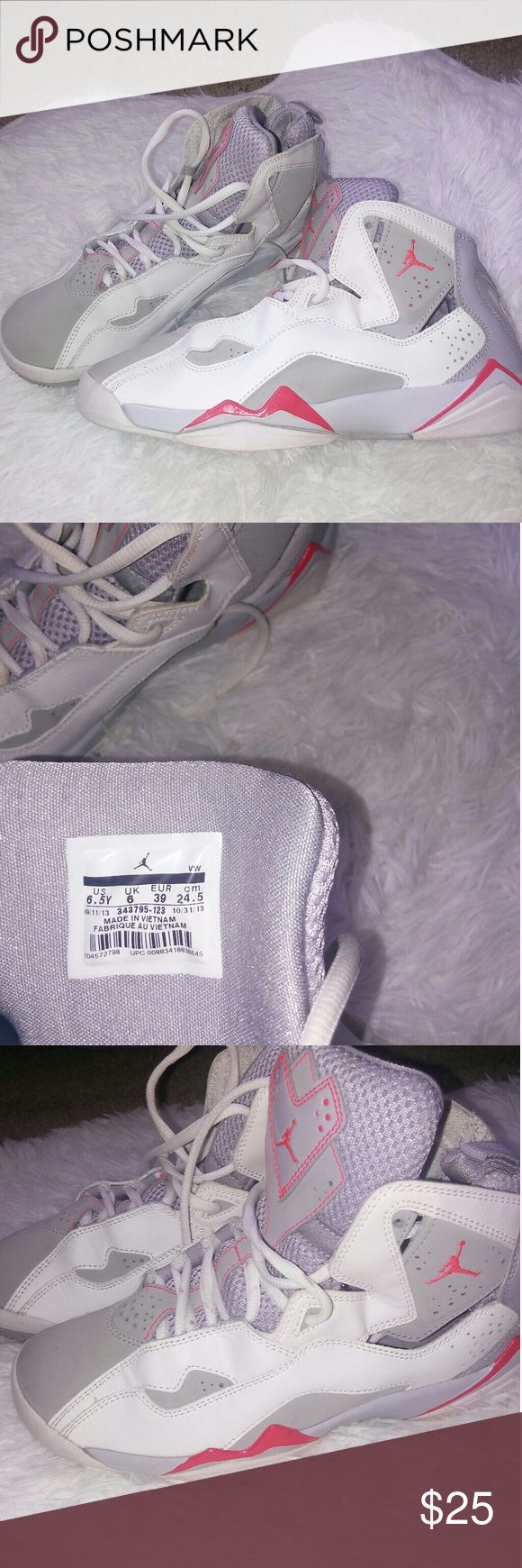 Nike Air Jordan True Flights kids 6.5 Kids Nike air Jordan True Flight coral/gray & white size 6.5 *used* good condition no rips tears or stains...smoke/pet free home Nike air jordan Shoes Sneakers