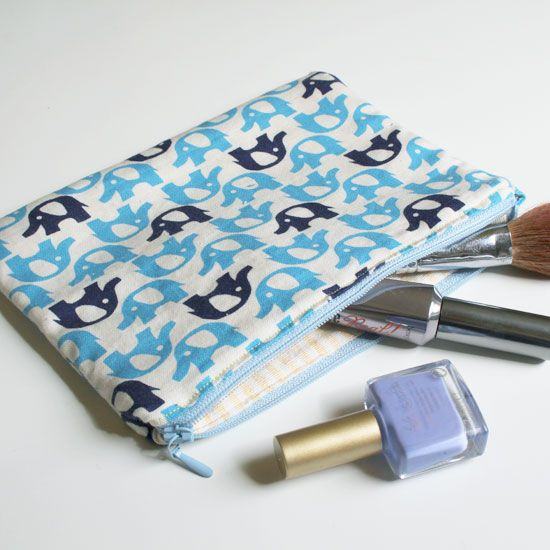 Sew an easy lined zip purse with this tutorial