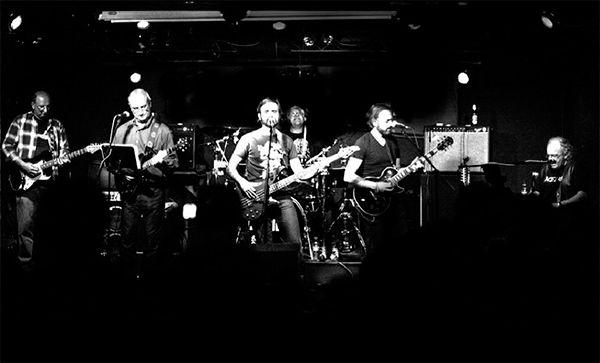 Hoy 10 de febrero en Héroe 80 estará la banda Only Eagles a las 19.00h en el Héroe Café Espectáculo