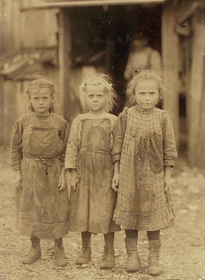 Josie, six year old, Bertha, six years old, Sophie, 10 years old. Maggioni Canning Co. Location: Port Royal, South Carolina, Lewis Hine, Febraury 1911