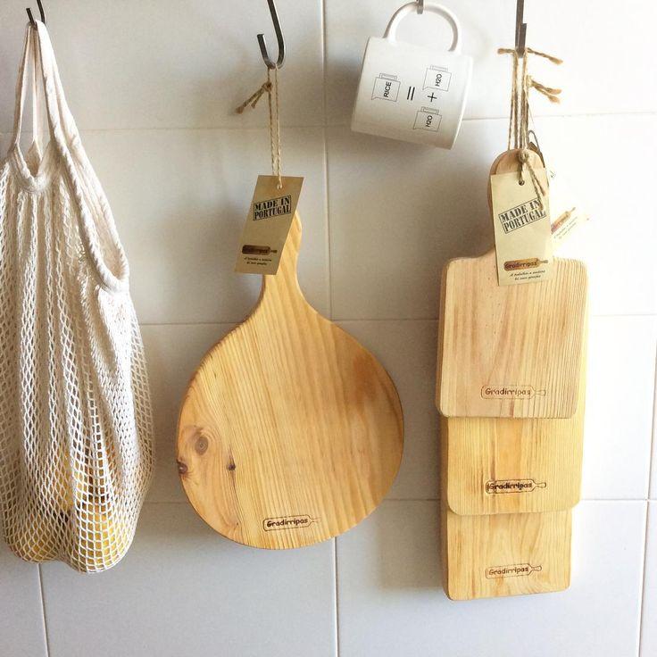 Woodboards and mug available at #livingplacesandyou #woodboard #tabuademadeira #mug #caneca #Gradirripas #studioverissimo #madeinportugal #backinbusiness