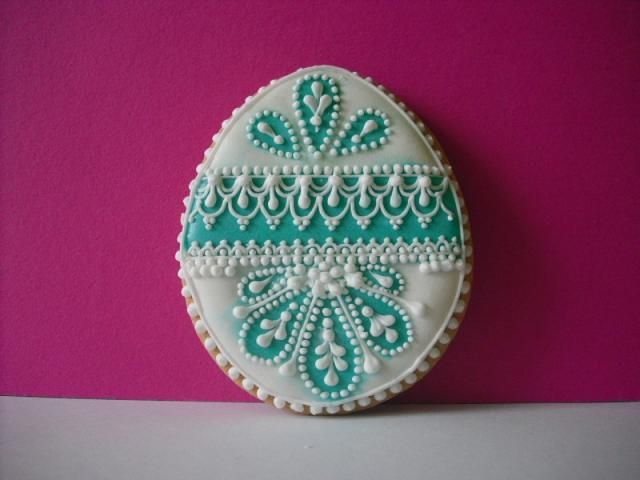 Beautiful piping, Easter egg decorated cookie
