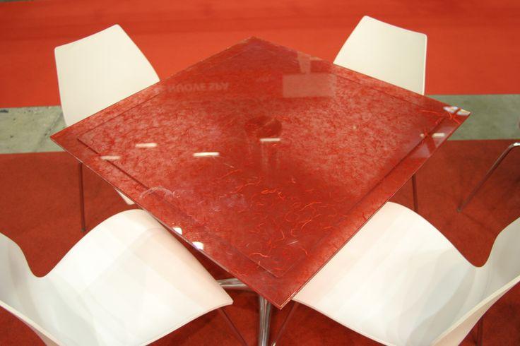 Tavolino in vetro stratificato con carta di riso interna