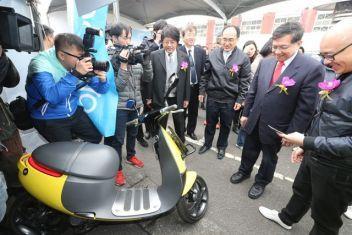 El Ministerio de Economía (MOEA, siglas en inglés) informó que la venta de motocicletas eléctricas alcanzó el hito de 20 mil unidades en 2016, lo que significa un 98...