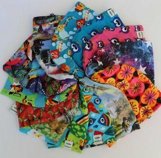 Mössor   Camillas Barnkläder. Populär mössmodel i färgglatt ekologiskt Jerseytyg (GOTS-certifierat). Foder: jerseytyg eller ekologisk bomullsfleece (GOTS). Storlek 44-58  Pris/st: 120 kr