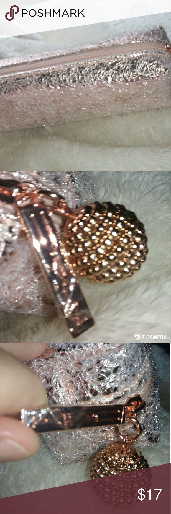 MAC makeup bag Gorgeous rose gold carry case. Authentic MAC!! MAC Cosmetics Makeup Brushes & Tools