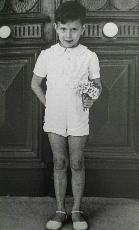 Výsledek obrázku pro Yves Saint Laurent child