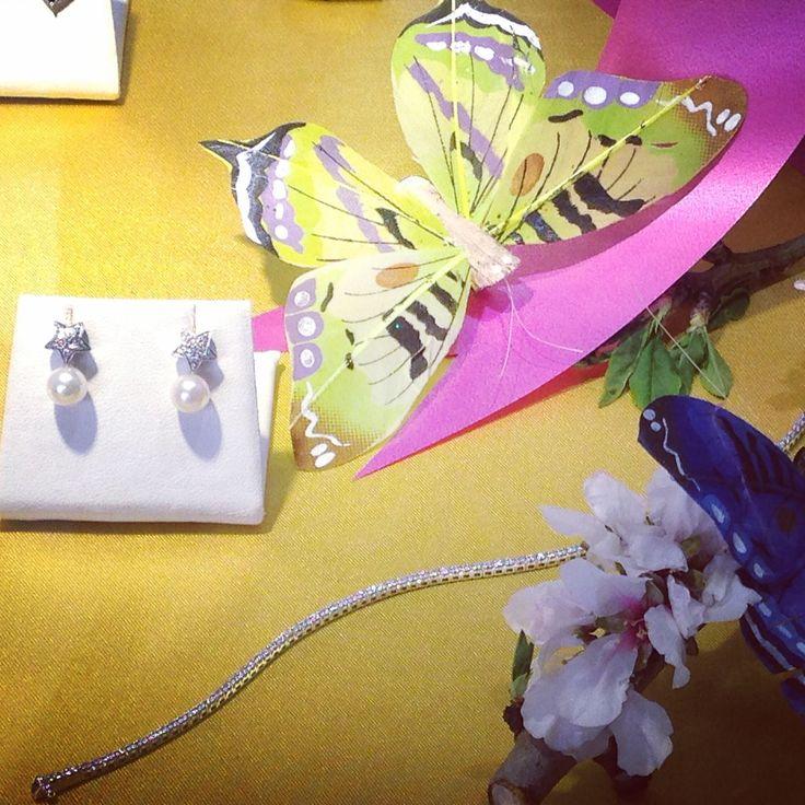 #earings #bracelet #tennis #diamonds #pearls #flowers #spring2015 #TEKAGIOIELLI #followme