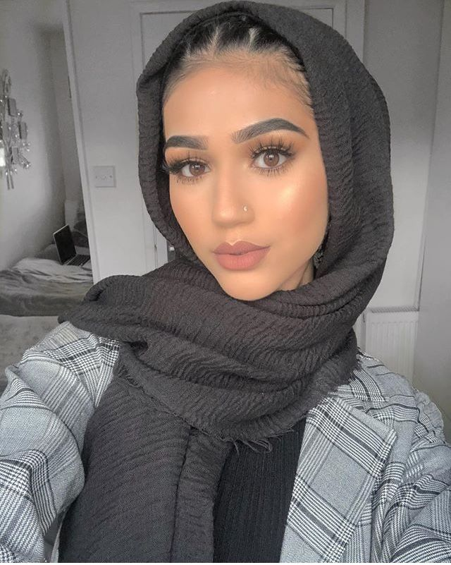 Pin By Asmymagaji On Makeup Hijab Style Tutorial Beautiful Hijab Hijabi Girl