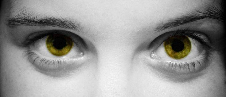 Eyes by randomfragment.deviantart.com