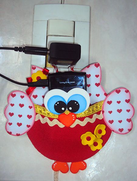 Está pronto seu porta-carregador de celular para presentear sua mãe no dia dela!