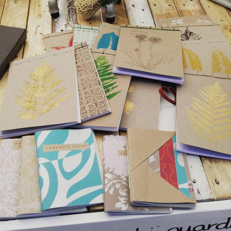 """""""Mi piace"""": 3, commenti: 1 - usoRIuso (@usoriuso) su Instagram: """"#quaderni in #cartariciclata  #rilegatiamano varie misure e fantasie con #stampe #handmade"""""""
