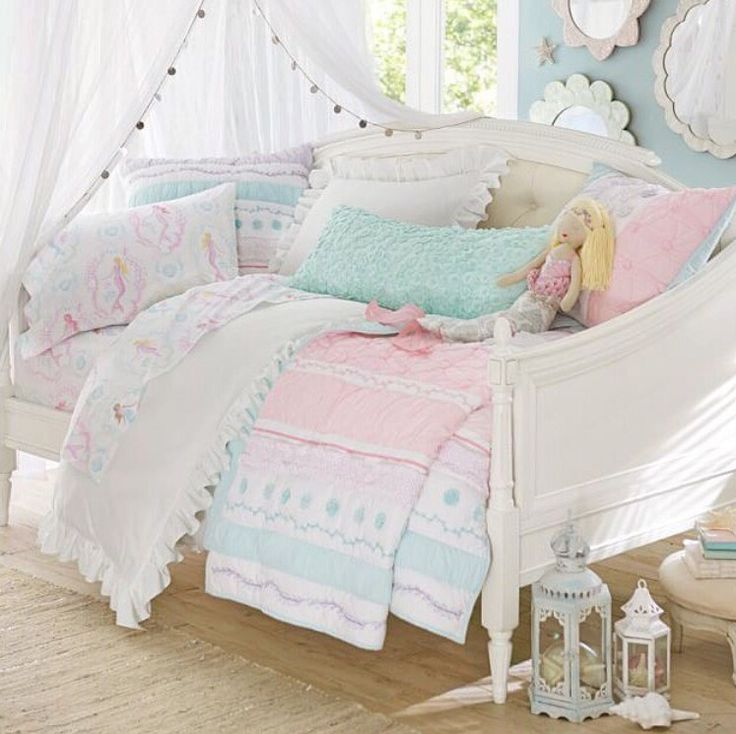 BLove the wall color and mirror decor with white curtains Bailey Ruffle  Quilted Bedding - Best 25+ Girls Daybed Ideas On Pinterest Girls Daybed Room, Ikea