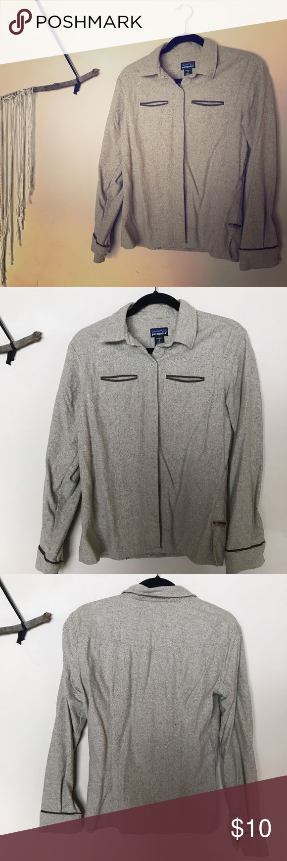 Patagonia wool button up outdoors shirt Perfect for hiking in cold weather with a base layer underneath! Classy yet outdoorsy.                              • • • 30% off of bundles of 3+, free gifts (vintage, new, or handcrafted) with every purchase, and negotiable prices on every sale. • • • Patagonia Tops Button Down Shirts