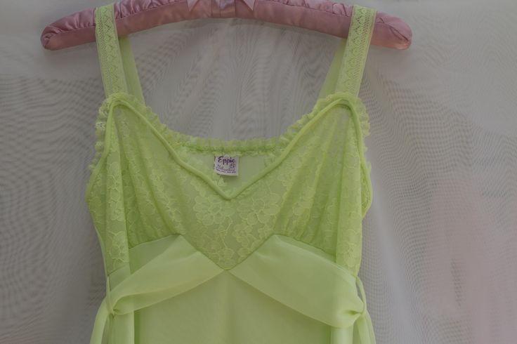 Eppie's vintage peignoir set, small, green, double nylon with lace, robe & gown