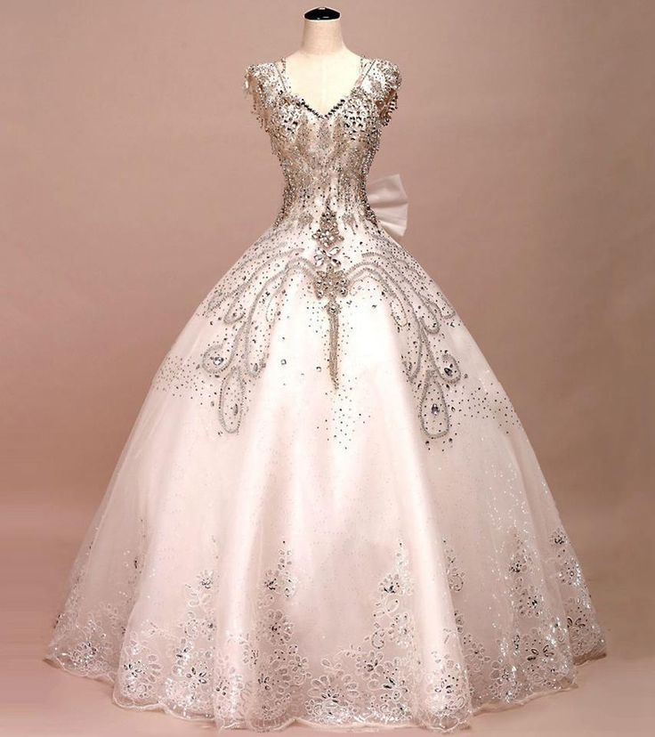 Holy crap that's a pretty ball gown or wedding dress.