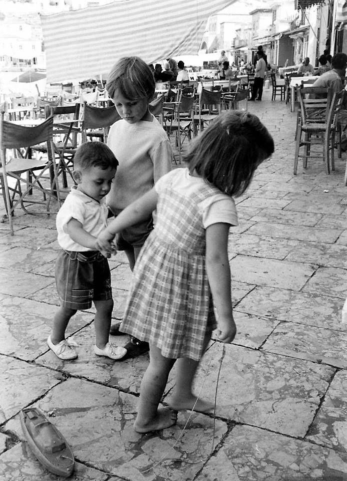 James Burke.Βόλτα στην Ύδρα το 1960