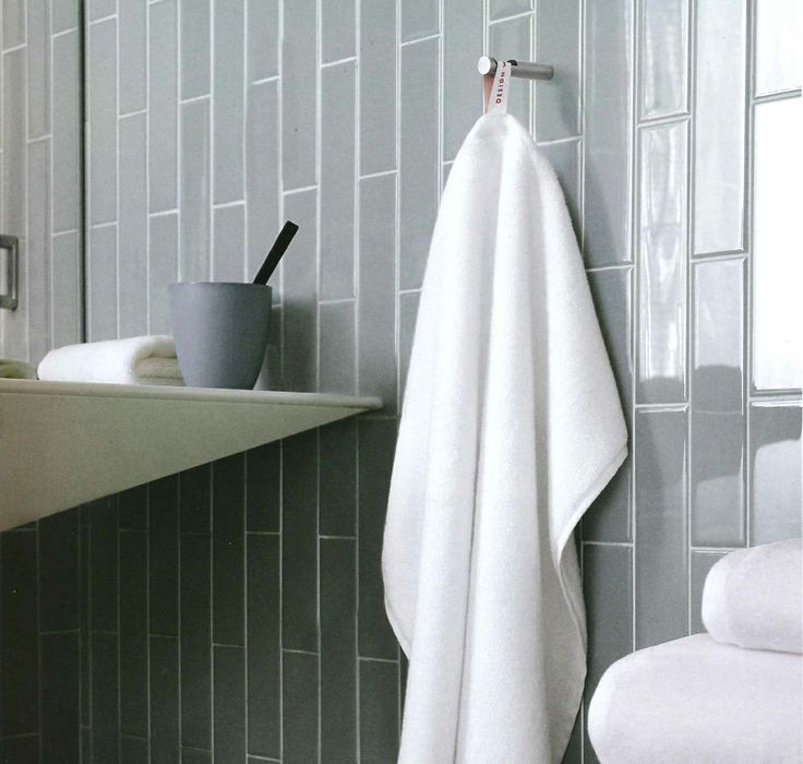 Best 25 Vertical Shower Tile Ideas On Pinterest Large