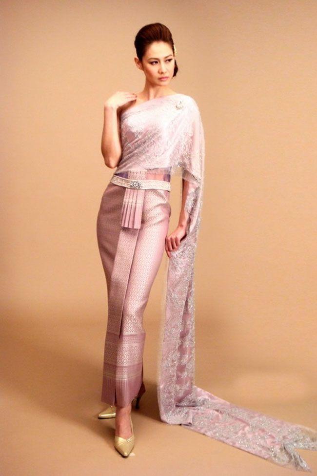 ชุดวิวาห์สีชมพู,ชุดเจ้าสาว ชุดไทยสีชมพู,ชุดเจ้าสาวไทย สไบ,ชุดเจ้าสาวไทย สีชมพู Thai wedding dress, pink Thai wedding dress see more http://www.sodazzling.com/thai-wedding-dresses/
