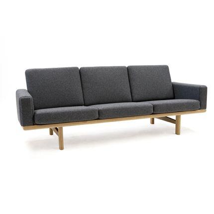 Hans Wegner 236 Sofa - great dane