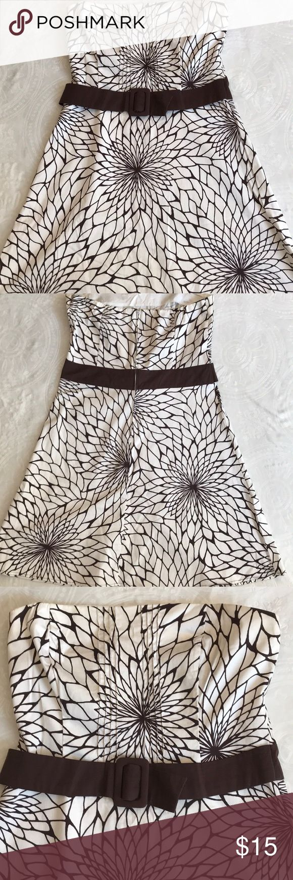 Cute and fun strapless Brown / white size 14 dress Love the print and the style of this dress! Perfect for the warmer days to come! Made of 97% cotton and 3% spandex giving it a lil stretch! The yellowish color in the pics is the lighting sorry B. Smart Dresses Midi