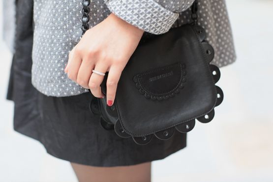 scalloped bag! oh my!Scallops Bags, Pretty Bags, Small Bags