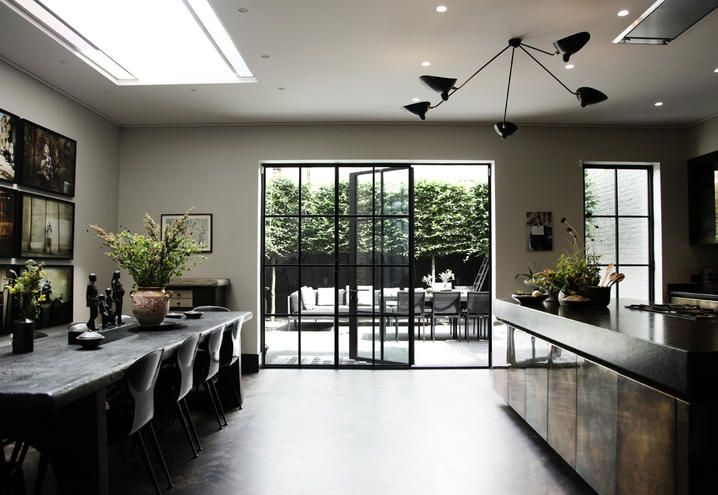 The kitchen&dining room of Sigrid Kirk house in London / La cucina&sala da pranzo della casa londinese di Sigrid Kirk