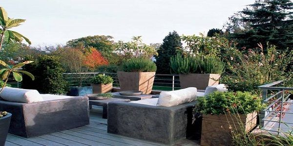 Admirable Contemporary Terrace Design with a Garden