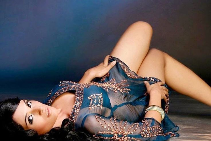 Richa Chadha hot images