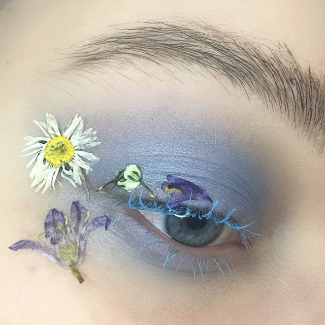 Instagram media by ginaparr_makeup - Spring flower  - Products Used. @limecrimemakeup Venus II Pallet - Filter eyeshadow. @maccosmetics Sky's the Limit In Extreme Dimension mascara, Brown Ebony Brow Set. @glisten_cosmetics Glitter Primer to stick flowers and through brows.  @daisyface_florals Seasonal Mix