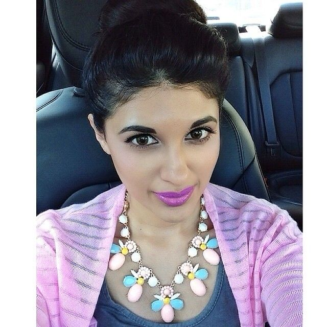 The lovely @jriyya looking beautiful in our Peach Aurora necklace! #ootd #wiwt #statementnecklace #fbloggers