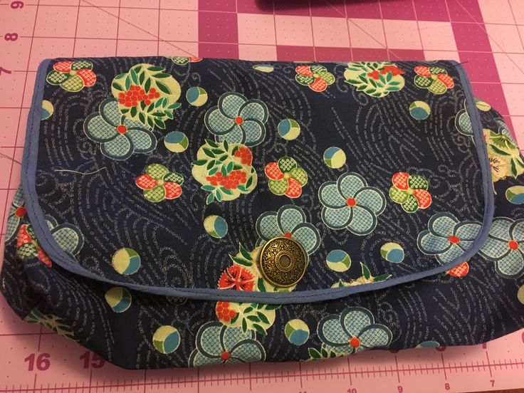 Make up roll and bag. Next time use fatter bias binding.