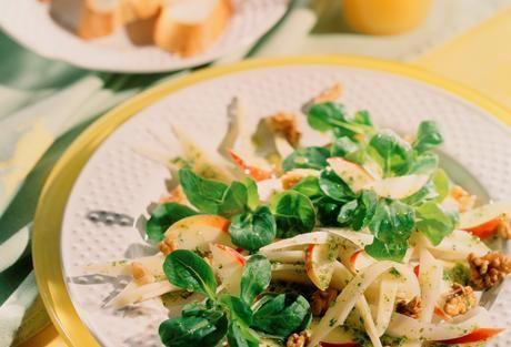 Petersilienwurzel-Salat mit Apfel-Kräuter-Dressing | Einfach Lecker - Rezeptideen für jeden Tag