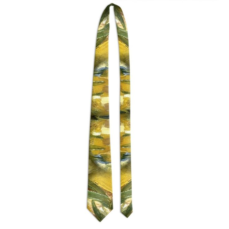 """Style"" Tie - The necktie is made of light reflective fabric that gives a refined touch to this accessory for an elegant man. 5 years warranty. Washable by hand or in washing machine Crafted product Classic size: base 9 cm - length 140.5 cm 5 years warranty included."