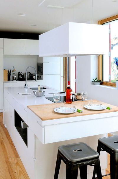 Opened kitchen / cuisine ouverte More photos http://petitlien.fr/maisonsanschauffage