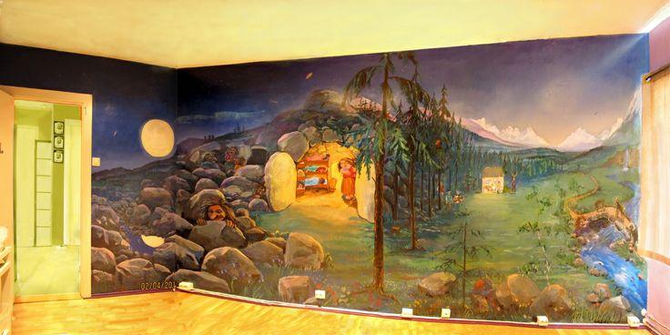barnerom. Veggmaleriet har motiver fra Trolleventyr, hakkebakkeskogen og barnesanger