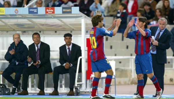Diez años de Messi: la cobertura especial de Diario Popular.  Se cumple una década del debut del rosarino con la camiseta del Barcelona y Diario Popular te invita a hacer un repaso de su carrera http://www.diariopopular.com.ar/c206142