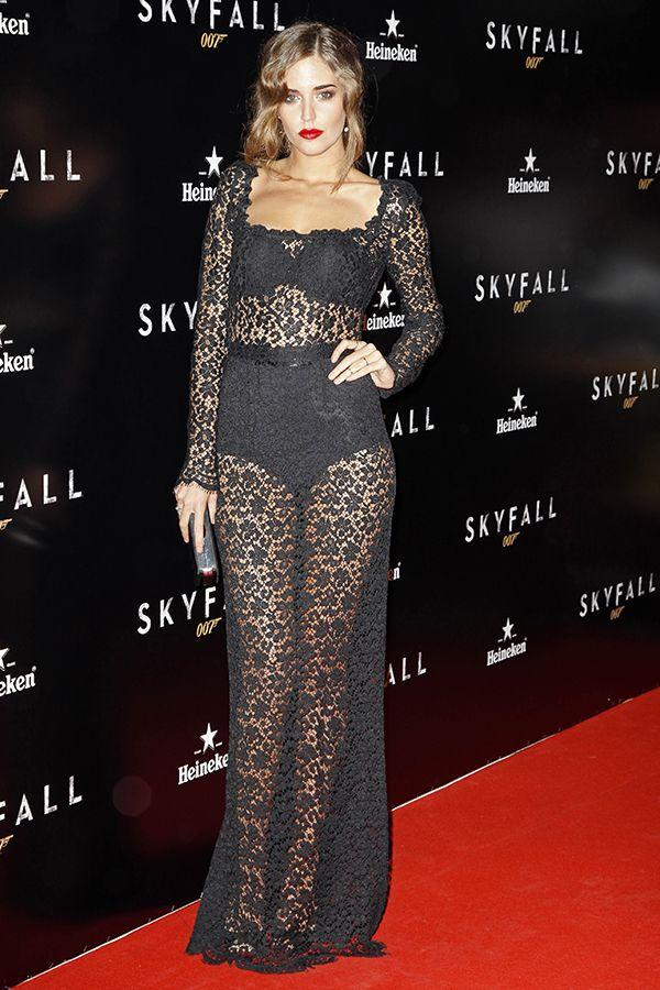 A modelo espanhola Clara Alonso. #casamento #vestido #transparente