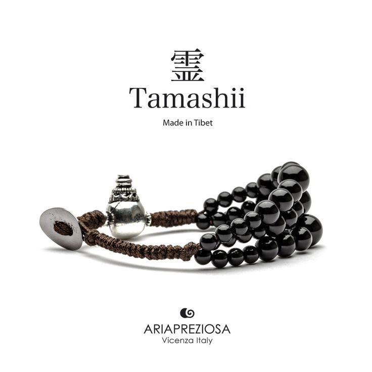 Bracciale Tamashii Dul Ba originale realizzato con pietre naturali ONICE.  Composto da 3 file di pietre, simboleggia la disciplina, che nel buddismo assume l'accezione di equilibrio.