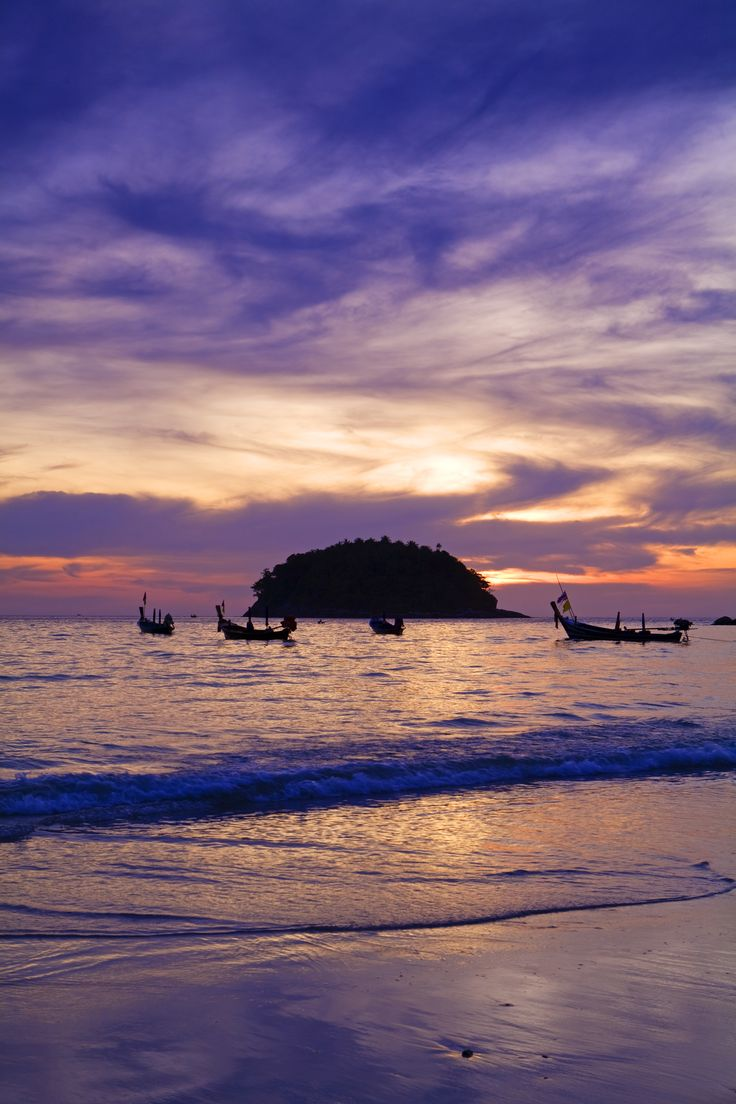 I miss Phuket already ......(cry)   spac-ing