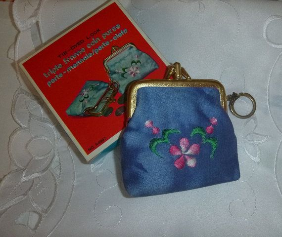 Vintage 70's Tie Dyed Change Purse Embroidered Flower Boho Floral Hippie Coin Purse Retro Embroidery Blue Jean Key Chain Purse Spring Trends
