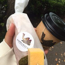 Photo of Camelback Sandwich & Espresso - Shibuya, 東京都, Japan. 中の写真撮り忘れ サクサクのりんごスライスとブリーチーズと蜂蜜のサンド 甘じょっぱいの美味しいりんご爽やか〜