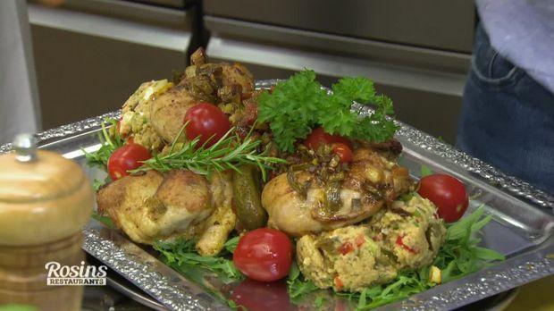 Gemüse-Couscous-Salat mit Hähnchenkeulen - So sieht's aus. - Kabeleins