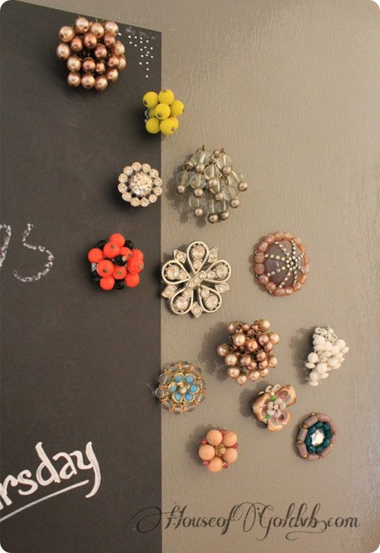 Repurpose old jewelry into pretty magnets {Anthropologie inspired} #craft
